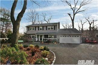 44 Colonial Dr, Huntington, NY