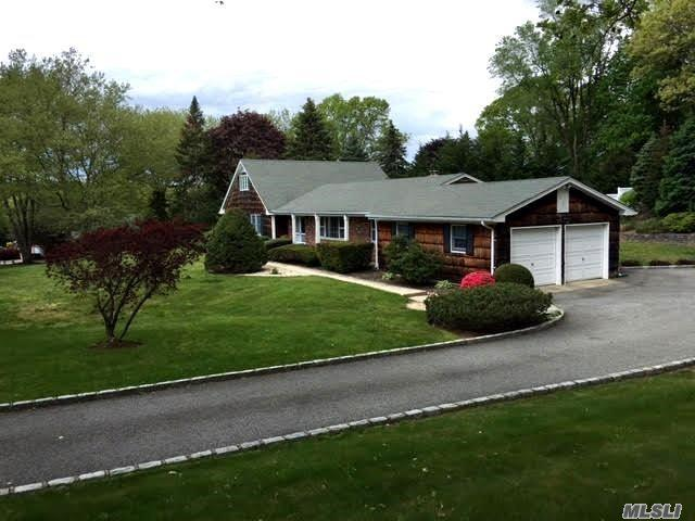 22 Hastings Dr, Fort Salonga, NY 11768