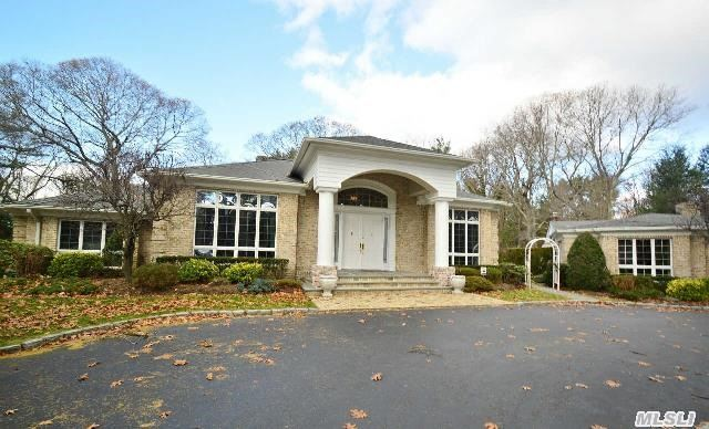 1095 Pine Valley Rd, Oyster Bay, NY