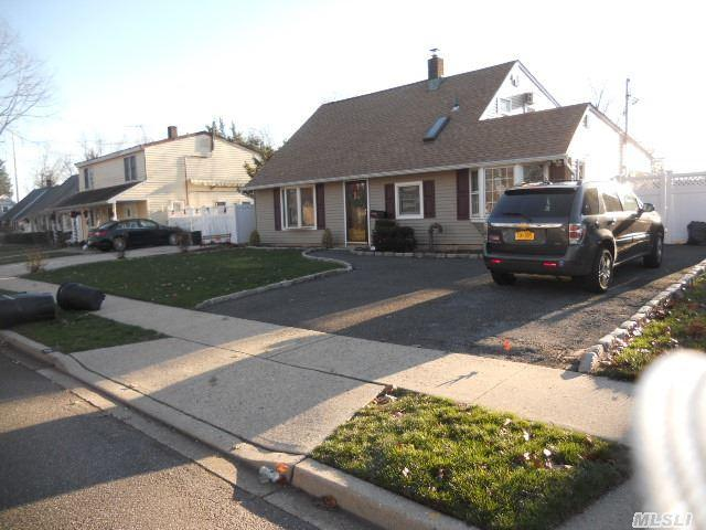 80-26 88th Rd, Woodhaven, NY 11421
