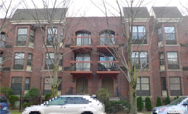 325 Hancock St, Brentwood NY 11717