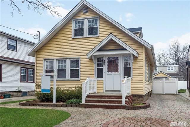 28 Doris Ave, Riverhead NY 11901