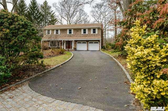 11 Pegs Ln, Cold Spring Harbor, NY 11724