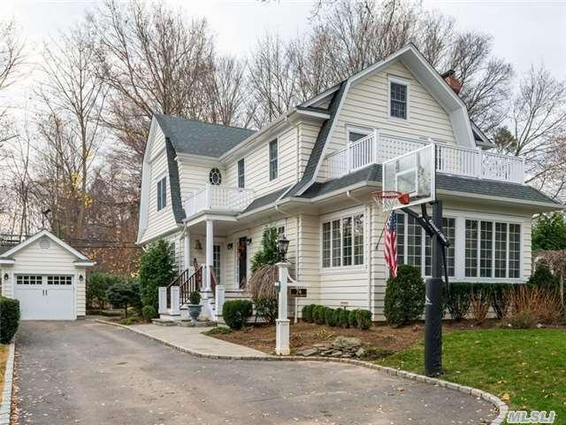 32 Meadowbrook Dr, Brentwood NY 11717