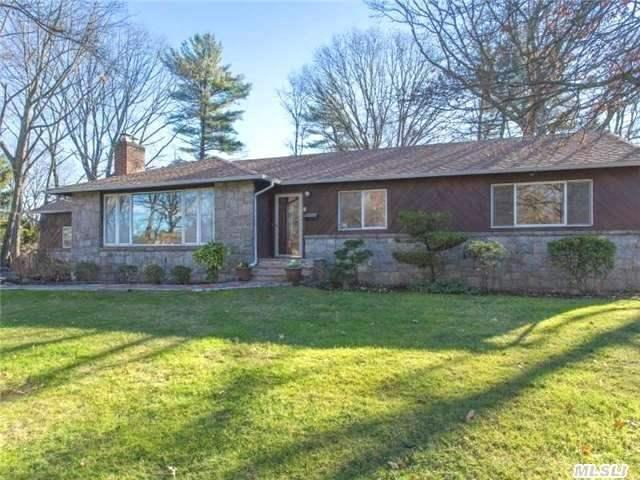 15 Edgemere Dr, Albertson NY 11507