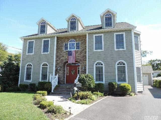 27 Ardmore Dr, Brentwood NY 11717