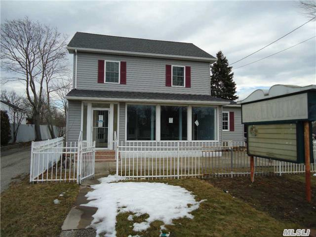 91 Medford Ave, Patchogue NY 11772