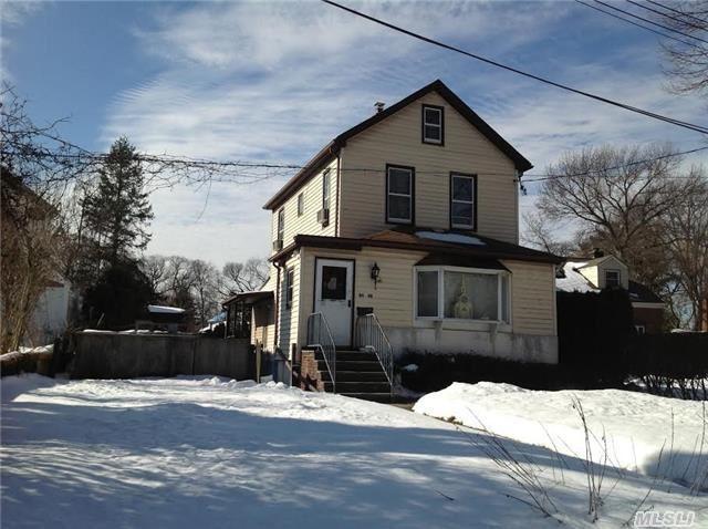86-98 Sancho St, Hollis NY 11423