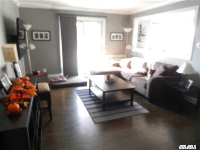 109 Fairharbor Dr #APT 109, Patchogue NY 11772