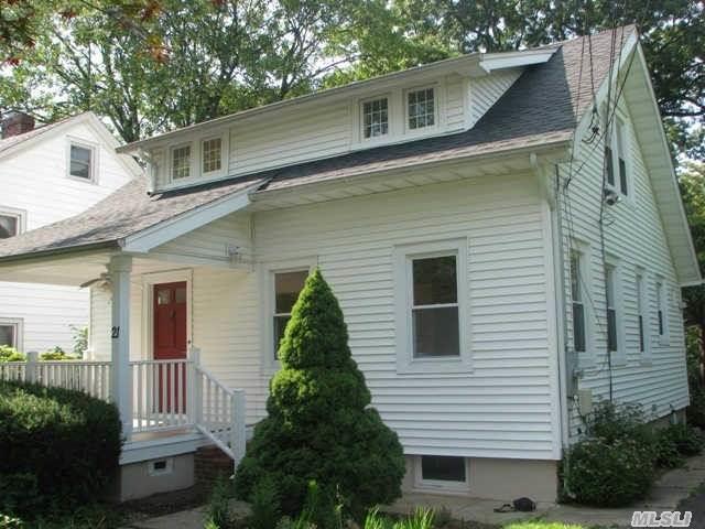 21 Grandview St, Huntington NY 11743
