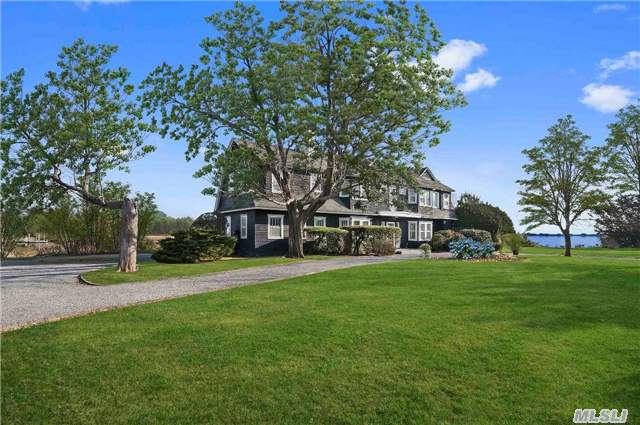 27 Old Point Road, Quogue, NY 11959