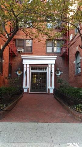 35-20 73 St #APT 3M, Jackson Heights, NY