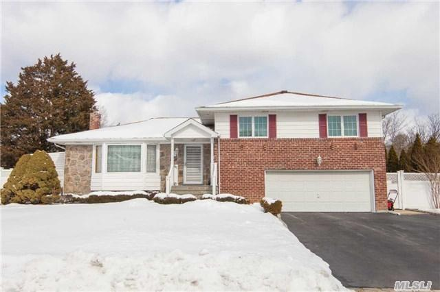 41 Cawfield Ln, Melville, NY