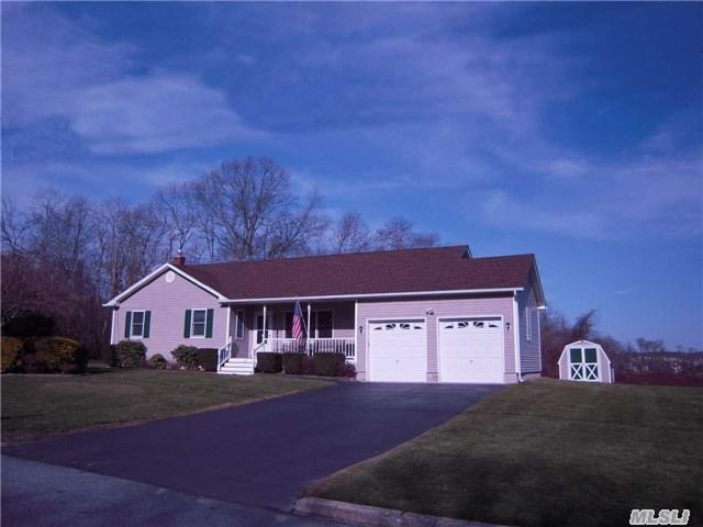 21 Dolphin Way, Riverhead, NY
