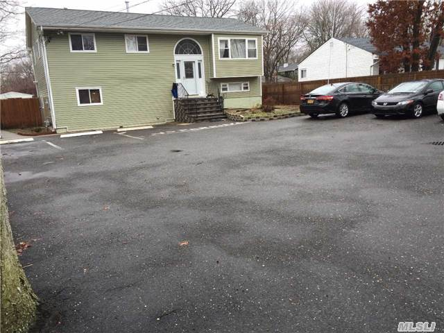 882 Islip Ave, Brentwood, NY