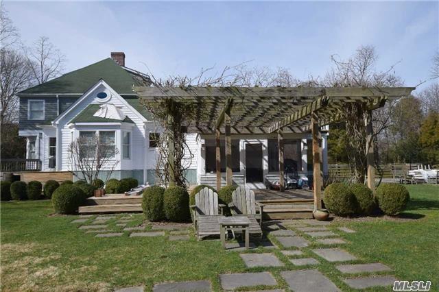 13 Oak Meadow Lane, Bellport, NY 11713