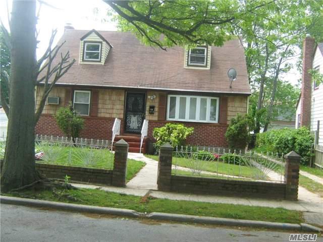 493 Clinton Ave, Rockville Centre, NY