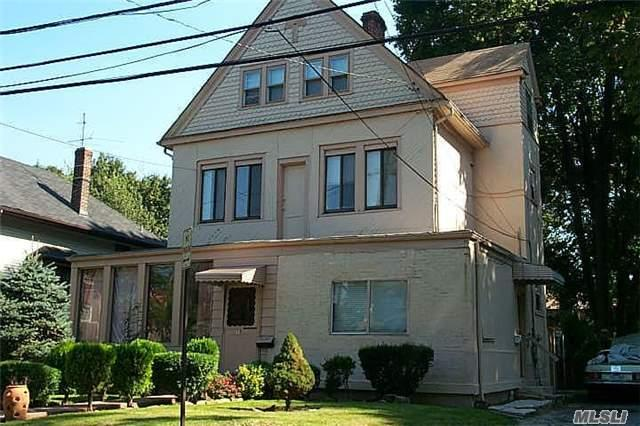 18 Breuer Ave, Great Neck, NY 11023