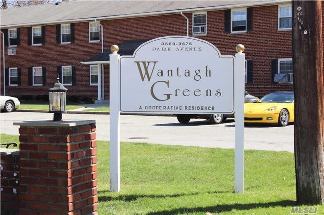 3662 Park Ave #2M, Wantagh, NY 11793