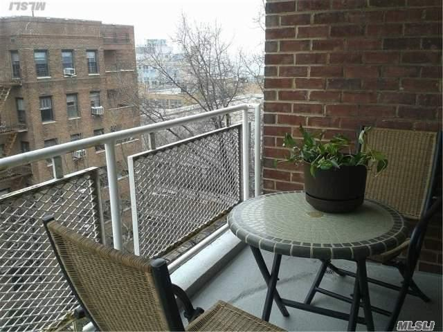 110-50 71 Rd #APT 8C, Forest Hills, NY
