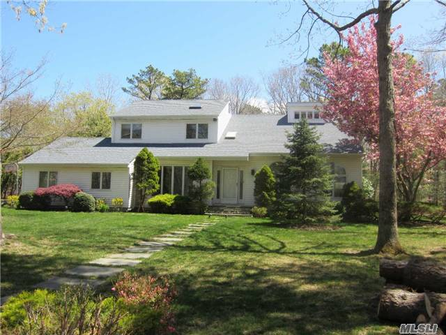 10 Liberty Ln, Miller Place, NY