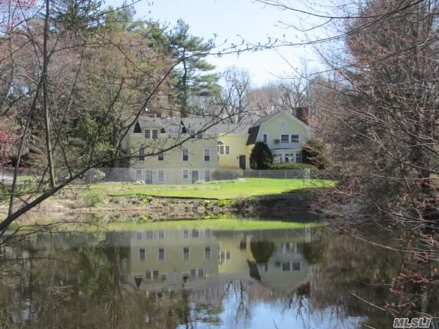 43 Berry Hill Rd, Oyster Bay, NY