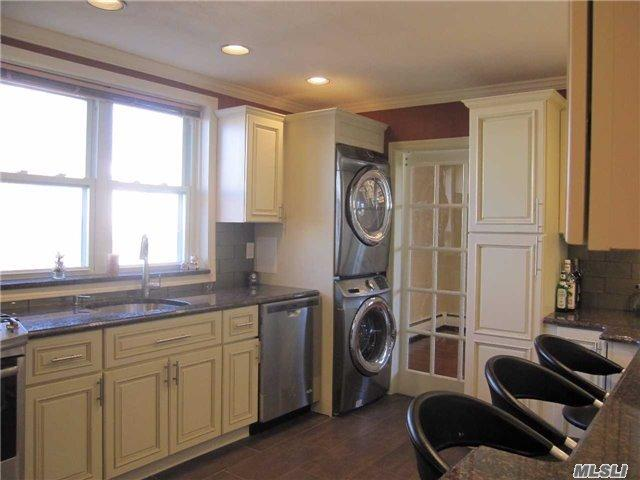 200 S Middle Neck Rd #APT G2, Great Neck, NY