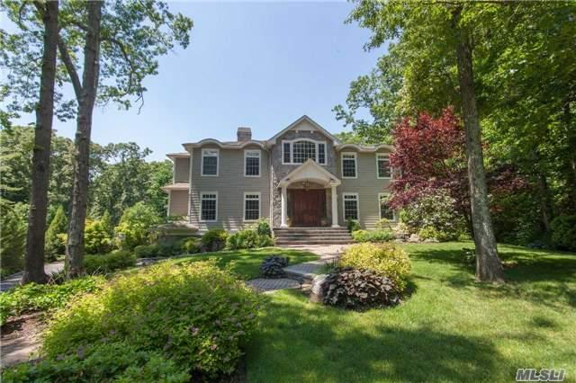 7 Twelvepence Ct, Melville, NY 11747