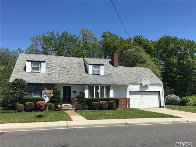 1565 Forest Ave, Baldwin, NY