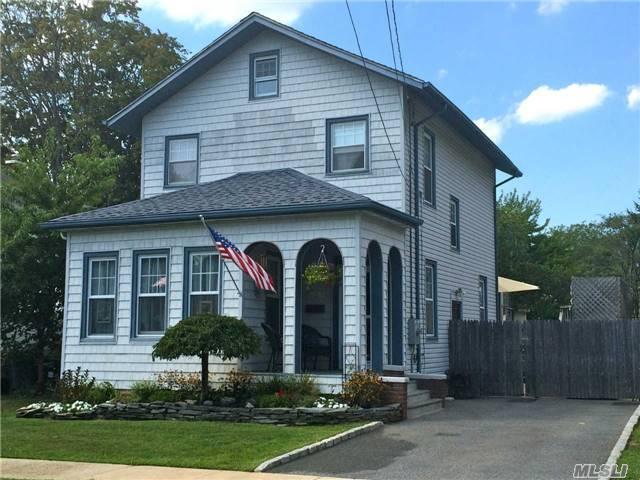 95 Maddox Ave, Islip NY 11751