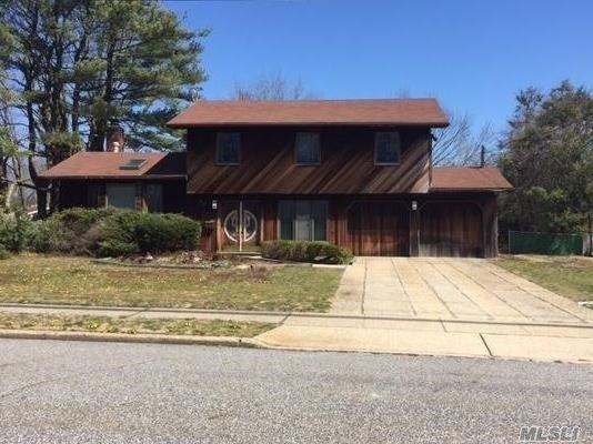Undisclosed, Wheatley Heights, NY 11798