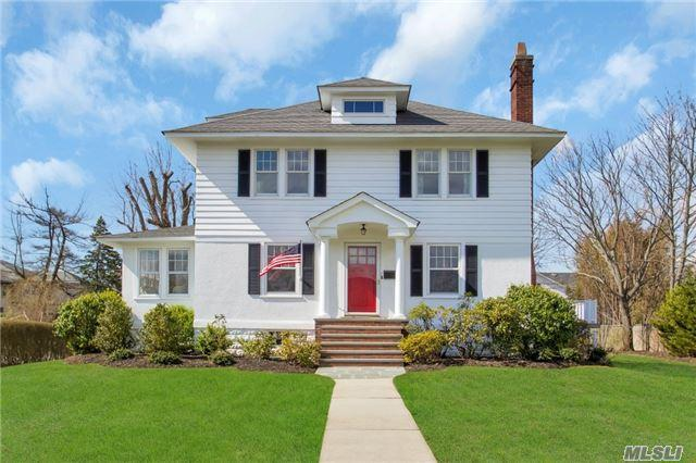 49 S Windsor Ave, Brightwaters NY 11718