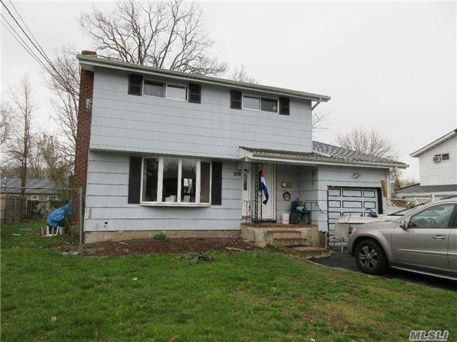 356 Barleau St, Brentwood NY 11717