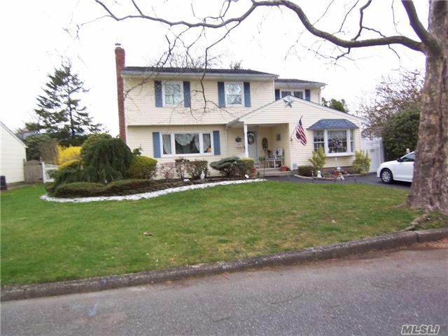 33 Culver Ct, Melville, NY