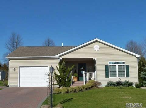 1407-221 Middle Rd, Calverton NY 11933