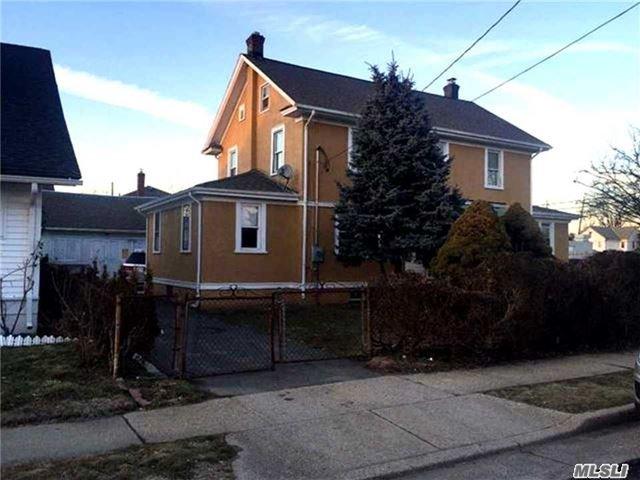 39 Kendig Place, Hempstead, NY 11550