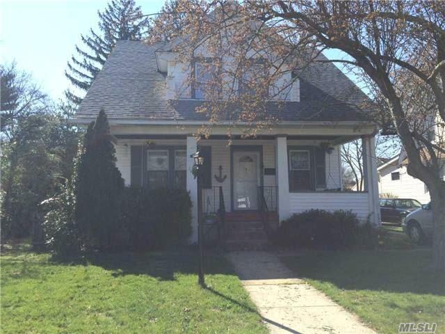 2642 Park Ave, Baldwin, NY
