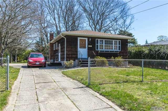 1329 Pine Acres Blvd, Bay Shore NY 11706