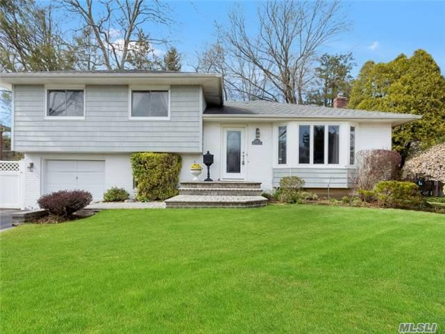 35 Eastfield Ln, Melville, NY