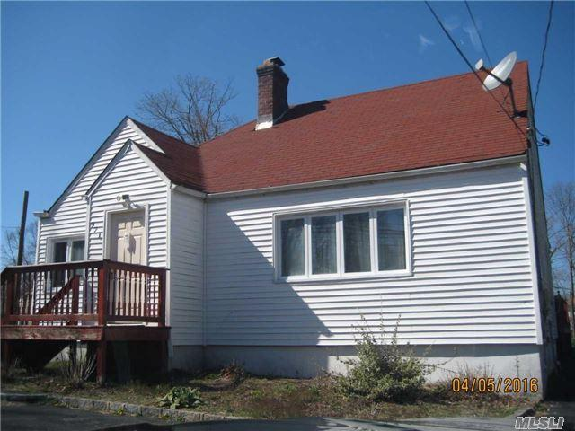 971 Spur Dr, Brentwood NY 11717