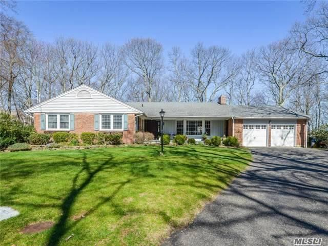 22 Arosa Ct, Greenlawn NY 11740