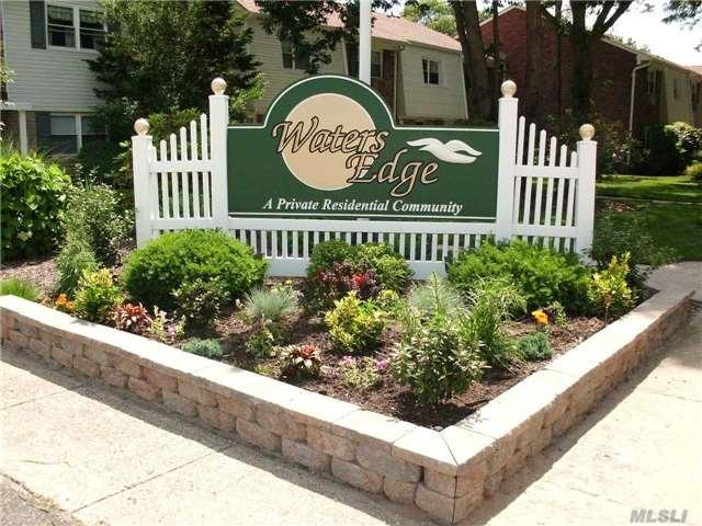 40-195 W 4th St, Patchogue NY 11772