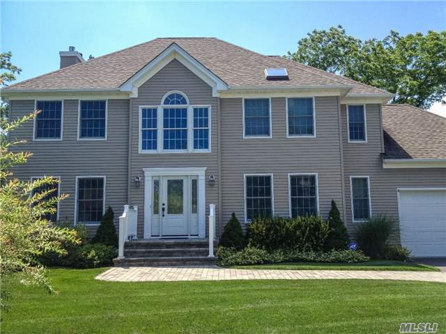 32 Shinnecock Rd, East Quogue, NY 11942