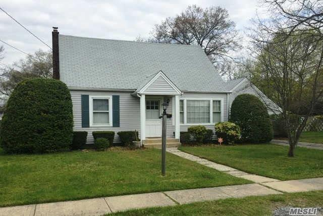 31 Wilmarth Ave, Patchogue NY 11772