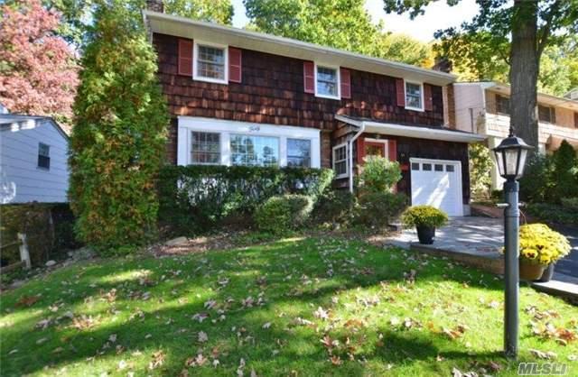 40 Briarwood Dr, Huntington NY 11743
