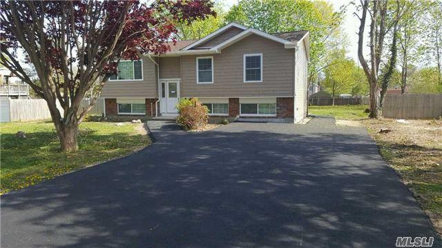 24 Nostrand Ave, Brentwood NY 11717