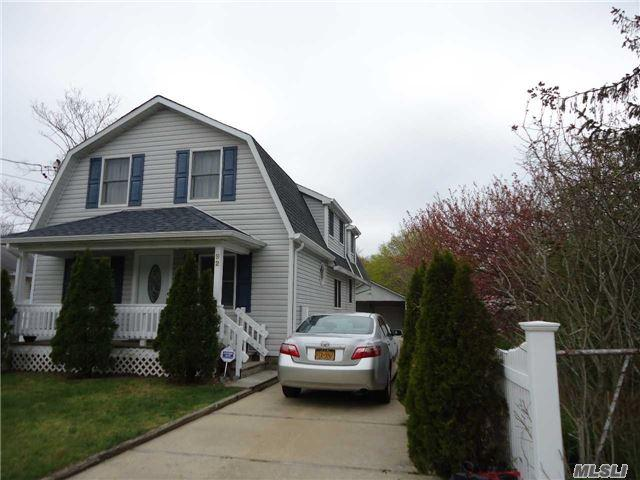 92 Buckley Rd, Patchogue NY 11772