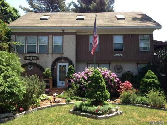 76 Prospect Dr, Brentwood NY 11717