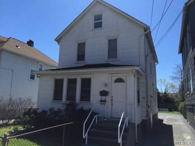 10 Creek Rd, Huntington NY 11743