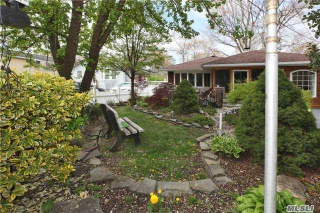 283 W End Ave, Shirley, NY 11967